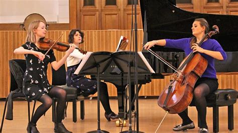 Radio 3 Lunchtime Concert, International