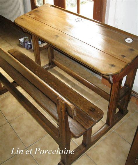 la table d 233 cole en bois 224 restaurer est maintenant nettoy 233 e et vernis et porcelaine