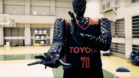 robot called cue shoots  hoops  nba players