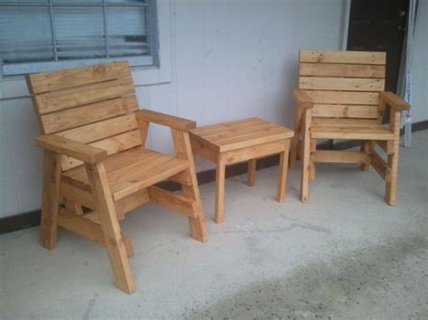 build  outdoor arm chairs   side table
