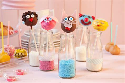 deko kuchen selber machen faschingsdeko karnevalsdeko selber machen einfache deko ideen