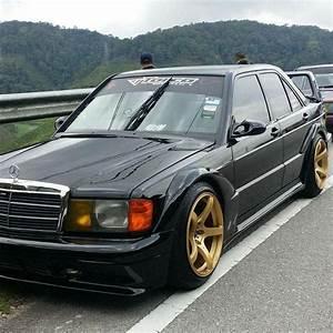 Garage Mercedes 94 : mercedes benz 190e modified slammed stance cars pinterest mercedes benz 190e ~ Gottalentnigeria.com Avis de Voitures