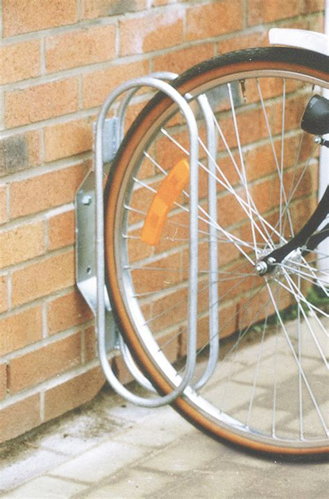 fast vaeggmonterad hjulhallare cykelstaell skyltabse