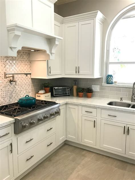 White Kitchen Update  Starmark Kitchen Cabinets & Lusso. Best Home Christmas Decorations. Rooms To Go Twin Beds. Austin Decorators. Decorative Light Panels. Rooms To Go Sofa Sale. Baby Room Rugs. Decorative Palm Trees. Extending Dining Room Table