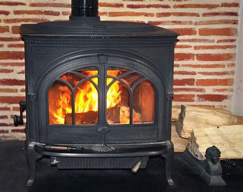 poele a bois pour cuisiner chauffage bois comparatif poêles et cheminées