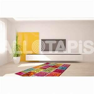 50 beau tapis persan pour decoration salon moderne couleur With tapis persan avec canapé en bois flotté