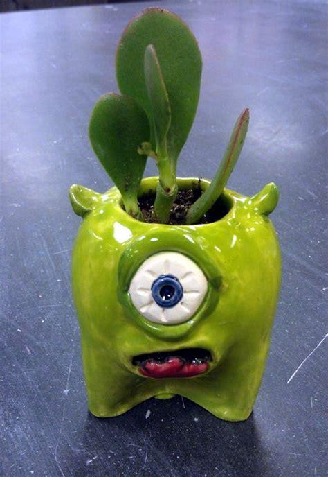 diy pinch pots ideas    hands  bored art