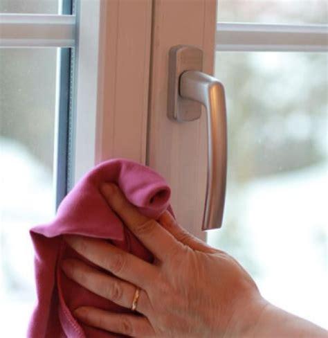 Fensterrahmen Reinigen Weiß by Fensterrahmen Reinigen Haushalt