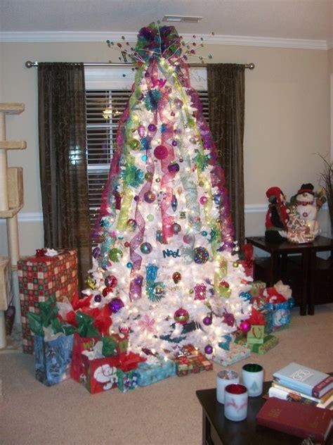modern decorated christmas trees 40 stunning modern christmas decoration ideas