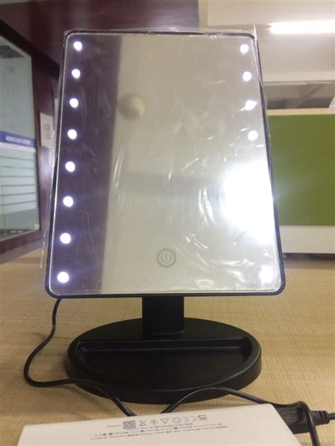 battery powered vanity lights dc or battery operated vanity led mirror hollywood style