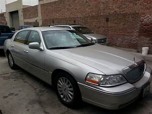 2005 Lincoln Town Car - Pictures