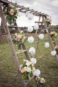 Ladder trellis very different outdoor wedding decor for Decorating a trellis for a wedding