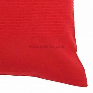 Housse De Coussin Rouge : housse de coussin lana rouge d co textile eminza ~ Teatrodelosmanantiales.com Idées de Décoration