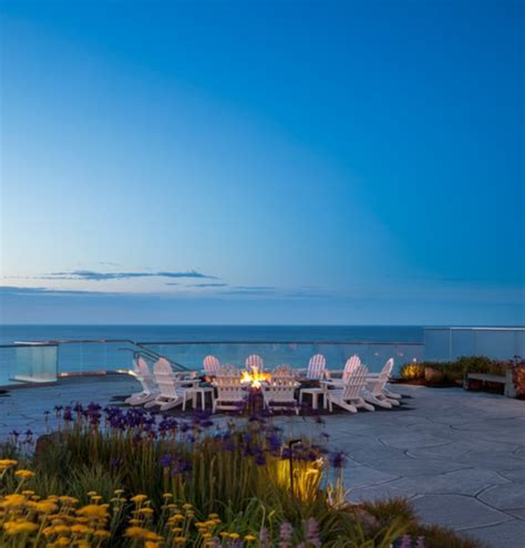 You'll Want To Stay At This Cliffside Hotel In Maine With