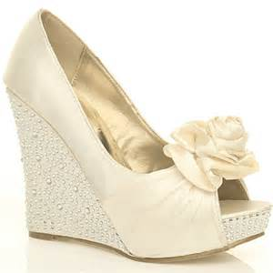 wedding shoe wedges object moved