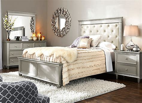 Tiffany 4pc Queen Bedroom Set  Cream  Silver Raymour