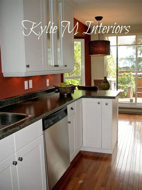 kitchen  white cabinets  red walls boxcar red