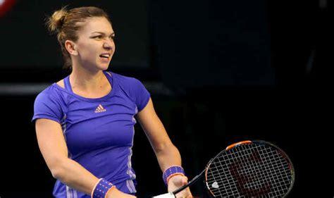 Australian Open 2017: Angelique Kerber through, Simona Halep beaten - BBC Sport