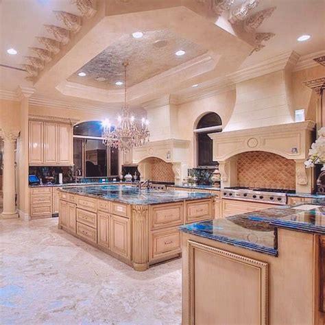 Best 25+ Mansion kitchen ideas on Pinterest Luxury