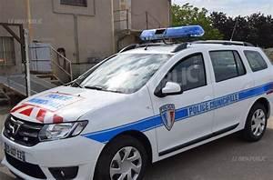 Nouvelle Voiture De Police : chevigny saint sauveur chevigny saint sauveur une nouvelle voiture pour la police municipale ~ Medecine-chirurgie-esthetiques.com Avis de Voitures