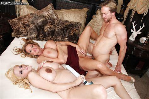 Pregnant Milf Haley Cummings Enjoys An Hardcore Threesome