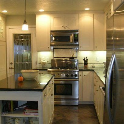 Small L Shaped Kitchen Remodel Ideas by 25 Best Ideas About Small L Shaped Kitchens On