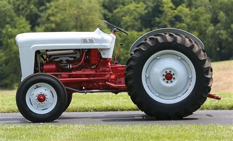 Ford Jubilee by Ford S Golden Jubilee Tractor Is Absolutely Stunning