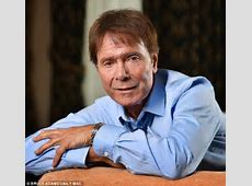 Cliff Richard says detectives took away letters from his