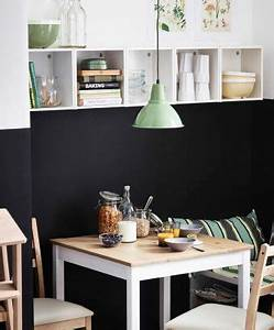 Kleiner Tisch Mit Stühlen : ein kleiner lerhamn tisch mit antikbeize hell wei gebeizt mit st hlen und f rh ja wandschr nken ~ Markanthonyermac.com Haus und Dekorationen