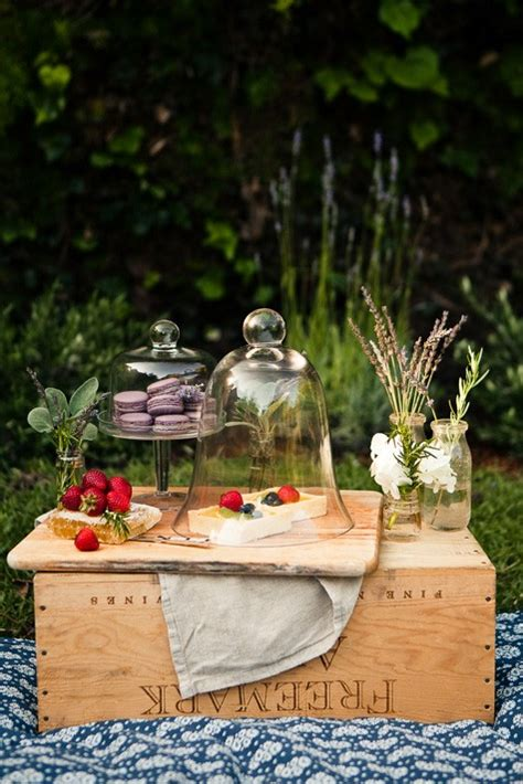 Let your crowd enjoy a variety of our too tallⓡ cakes! Greer Loves: Summer Picnic Wedding Ideas: Desserts & Tables