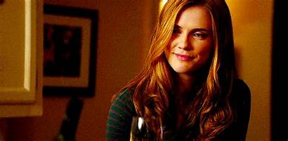 Jenna Sommers Sara Canning Gilbert Gifs Tvd