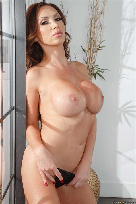 Nikki Benz Jerk Off Cock Using Fleshlight Before Sex