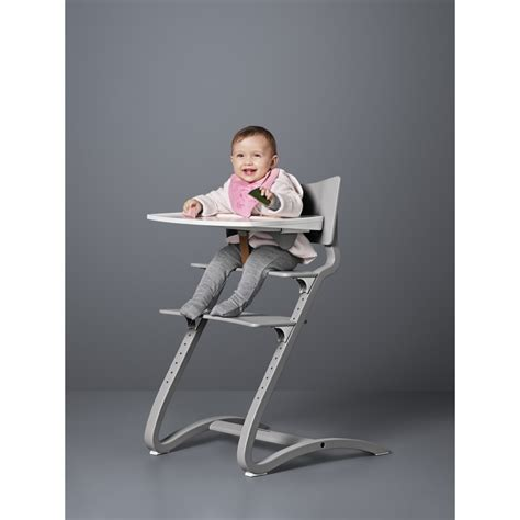 chaise haute leander tablette chaise haute blanc leander univers bébé smallable