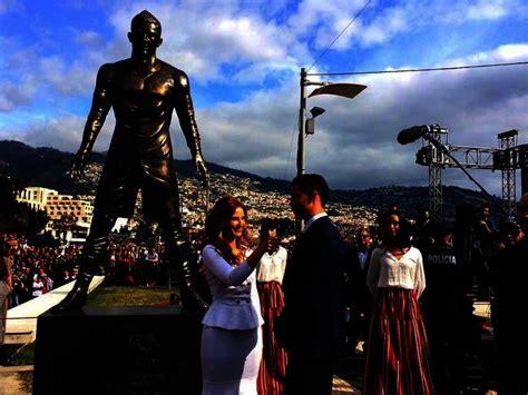 photo  statue  cristiano ronaldo  unveiled