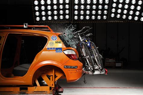 crash test si鑒e auto test su portabici per auto l 39 analisi della sicurezza sicurauto it