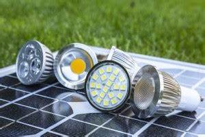 Led Lampen Lebensdauer : led lebensdauer wie lange halten led leuchten lampe magazin ~ Orissabook.com Haus und Dekorationen