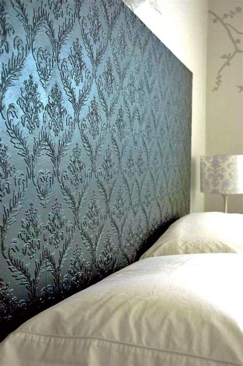 textured wallpaper projects decorating  small space