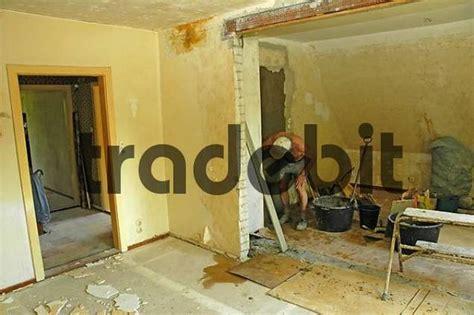 Renovierung Einer Alte Sanierungsbedürftige Wohnung