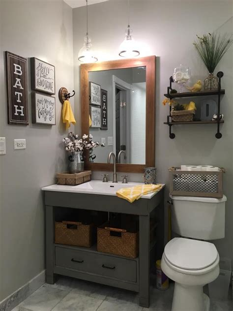 Decorating Ideas For A Small Country Bathroom by Best 25 Bath Sign Ideas On Bathroom Signs