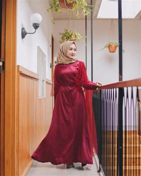 Sementara, sebagai padanannya, rok untuk tingkat siaga dan penggalang berpotongan kulot; 30+ Model Baju Pesta Warna Merah - Fashion Modern dan ...