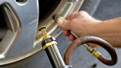How To Maintain Safe Tire Pressure