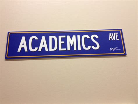 File:Academics ave.jpg - Wikimedia Commons