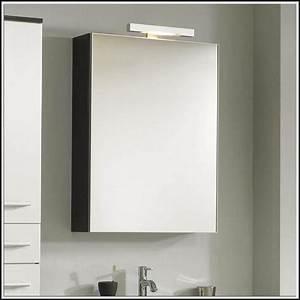 Badezimmer Spiegelschrank Mit Beleuchtung : badezimmer spiegelschrank mit beleuchtung ~ Indierocktalk.com Haus und Dekorationen