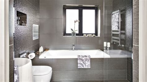 piastrelle metalliche decorazione da parete per bagno 35 idee per il design