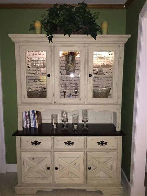 Kitchen Hutch Painting Ideas by Best 25 Hutch Makeover Ideas On Painted Hutch