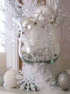 how to use snowflakes in winter décor 36 ideas digsdigs