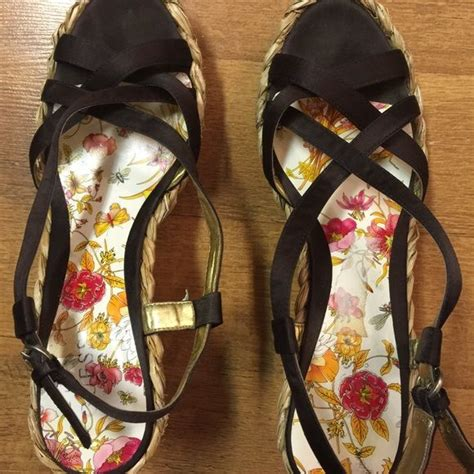 Tas Guess Cleaning Closet guess wedges my posh picks shoes fashion
