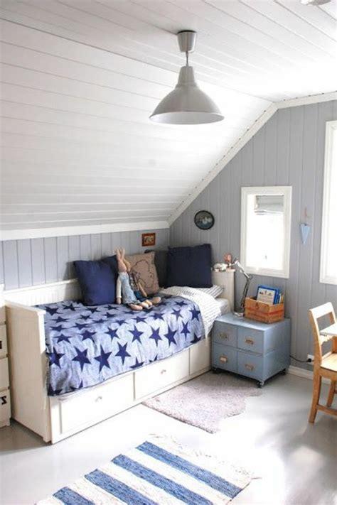 2 couleurs dans une chambre couleur peinture chambre garcon couleur peinture chambre