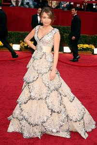Miley Cyrus red carpet Dresses Looks 2016-2017 | B2B Fashion