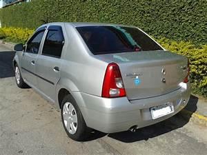 Renault Logan Expression 1 6 8v 2010  2010